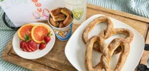 Auntie Anne's pretzels and pretzel bites